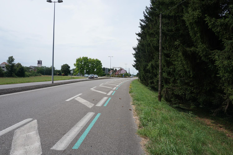Radweg an Straße