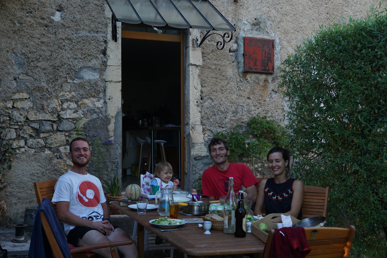 Gastgeberfamilie und ein weiterer Gast