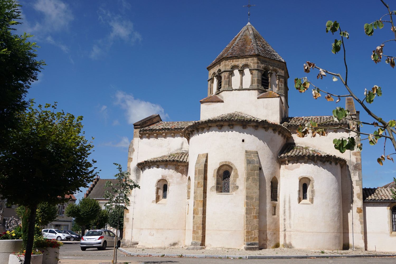 Kirche in Volesvres, Kurz vor Pasey-