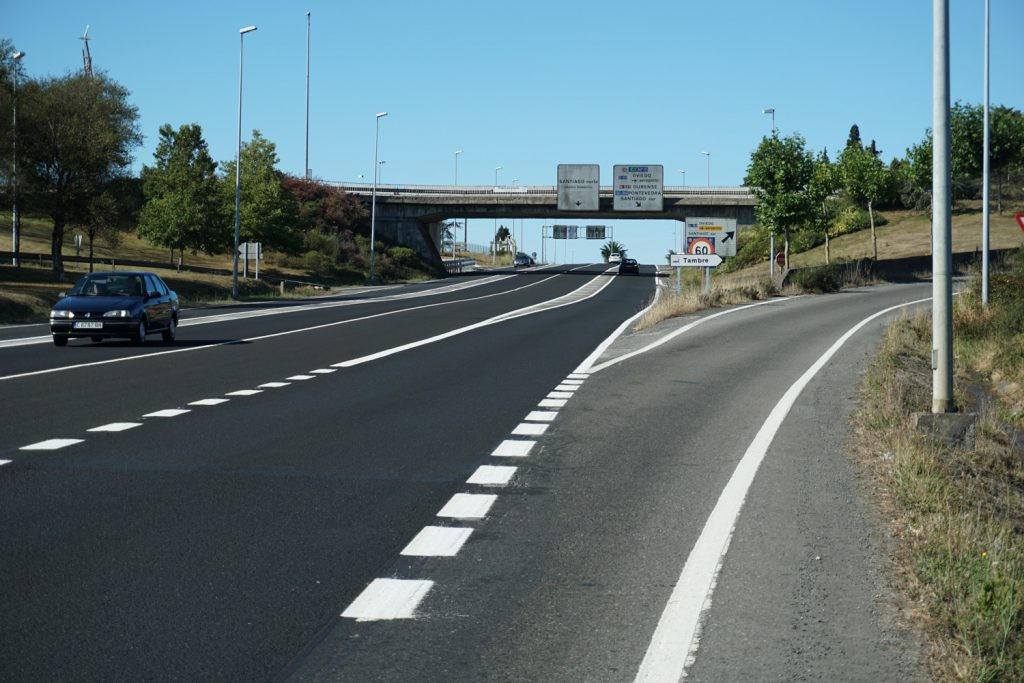 Große Bundesstraße fühlt sich an wie Autobahn, kurz vor Santiago