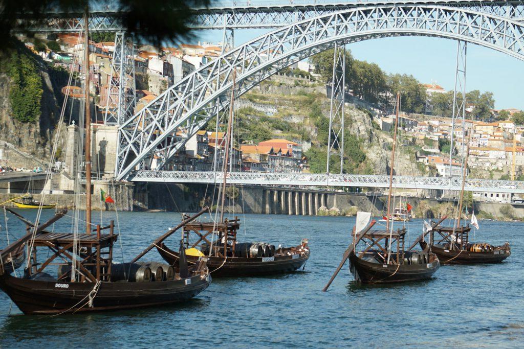 Stahlbrücke über den Douro