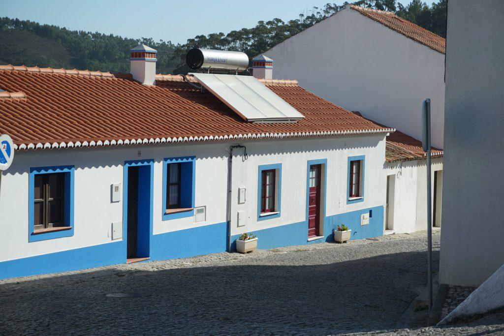 Der Ort Odeceixe, Straßen mit Kopfsteinpflaster