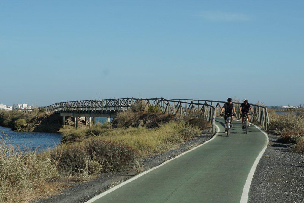 Eigene Brücke für die Radfahrer