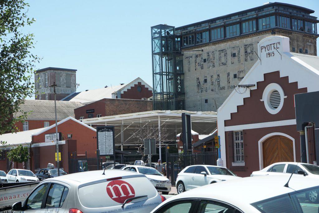 Old biscuit mill, heute Restaurants und Designerläden