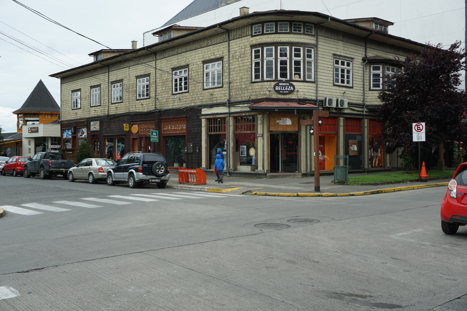 puerto varas men Tips for bus travel from puerto varas to bariloche, argentina it is easy to travel by bus from puerto varas to bariloche.
