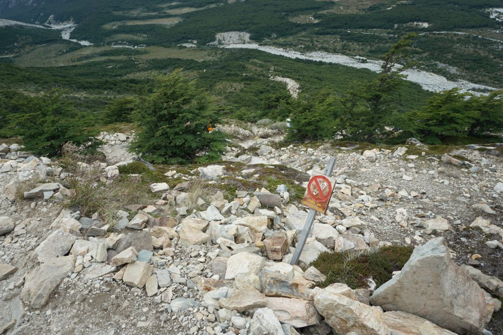 sehr steiniger Wanderweg